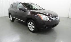 Extra Clean. REDUCED FROM $12,885!, PRICED TO MOVE $400 below Kelley Blue Book!, EPA 26 MPG Hwy/22 MPG City! Moonroof, Navigation, Satellite Radio, iPod/MP3 Input, Bluetooth, Back-Up Camera, Aluminum