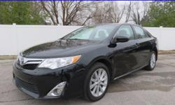 ***CLEAN CARFAX***XLE MODEL***GREAT MILES***AUTOMATIC***GAS SAVER*** There is no better time than now to buy this great-looking 2012 Toyota Camry. Happy four-pot delivers 25-MPG city and 35-MPG Highwa