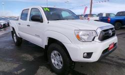 SUPER WHITE exterior and GRAPHITE interior, Tacoma trim. $200 below NADA Retail!, EPA 21 MPG Hwy/16 MPG City! NAV, iPod/MP3 Input, 4x4, RADIO: ENTUNE PREMIUM AUDIO W/NAVIGAT... TRD OFF-ROAD PACKAGE. SEE MORE!======KEY FEATURES INCLUDE: 4x4, iPod/MP3 Input