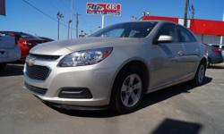 Auto fans love the traction control, a navigation system, and braking assist of this 2016 Chevrolet Malibu Limited LT. It has a 2.5 liter 4 Cylinder engine. We've got it for $20,899. You can trust thi