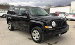** ACCIDENT FREE AUTOCHECK**, **CRUISE CONTROL**, **GREAT FUEL ECONOMY**, **iPod/Aux CONNECT**, **KEYLESS ENTRY**, **LOTS OF SPACE**, *4WD*, and *FAMILY FRIENDLY*. 4WD and Dark Slate Gray w/Premium Cl