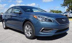$2,231 off MSRP! 36/25 Highway/City MPG King Hyundai is proud to offer this charming 2017 Hyundai Sonata SE in Blue well equipped with: 16 x 6.5J Aluminum Alloy Wheels, 4-Wheel Disc Brakes, 6 Speakers
