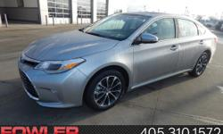 GPS Nav! Come to the experts! Be the talk of the town when you roll down the street in this fantastic-looking 2017 Toyota Avalon. The quality of this wonderful Avalon is sure to make it a favorite amo