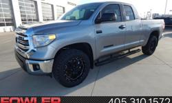 4WD! Silver Bullet! Be the talk of the town when you roll down the street in this outstanding-looking 2017 Toyota Tundra. This wonderful Toyota Tundra is just waiting to bring the right owner lots of