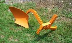 I have a nice 3pt plow for sale it works great can show you when you come to look at it will hook up to tractor if need be would be good for a small Ford,Power King John Deere kubota Its has been sand