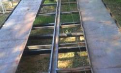 3 Car Hauler with electric winch, tool box, good lighting, excellent condition !