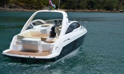 ***In Stock at our Docks in Fort Lauderdale*** The 35 Gran Turismo is Beneteau's newest addition to the GT line. Her design was based off of her older sister, the 34GT, however the 35 GT features an o