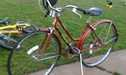vintage schwinn 10 speed bike or best offer - $200 (eug) must have at a great price its not just a bike its a status of quality. i have repaired and restored Both the goldenbrown & green bikes. (rust