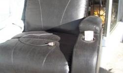 GREAT CONDITION.........ELECTRIC RECLINES AND SIT YOU BACK UP ....DRINK HOLDER AND STORAGE IN THE ARM.......YOU CAN SEE AT UR KEY 2 DEAL$. . ....6627 SOUTHSIDE DR.   NEAR    STRAWBERRY LN.  NEXT TO TH