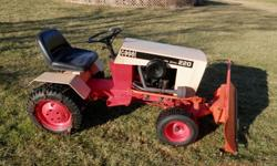 CASE 220 HYDROSTAT DRIVE WITH HYDRAULIC LIFT THIS IS REAL WORK HORSE MADE WHEN QUAILITY COUNTED IS IS IN GOOD RUNNING CONDITION ITCOMES WITH SNOW BLADE MOWING DECK WHEEL WEIGHT