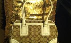 authentic coach bag ,good condition kept in dust bag only used a few times asking $60 for more info call or txt anytime 928-750-0188 Location: foothills