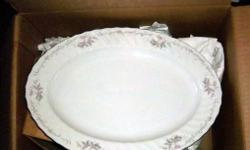 We are offering a beautiful set of vintage Gold Standard China. This china was made in Japan, and has a nice floral pattern with platinum edge accent. There are 42 pieces in this set.