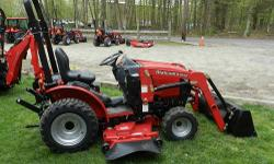 BEAUTIFULL JOHN DEERE MODEL 2210 COMPACT TRACTOR, 4X4, HYDROSTATIC TRANSMISSION, POWER STEERING, DIFF LOCK, FRONT LOADER, MID AND REAR 540 PTO, CAT 1 3PT HITCH WITH A WOODS FINISH MOWER. TRACTOR HAS O