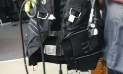 Available for sale is an entire females scuba diving established that features every little thing you require except deep water! The vest is a XS Diving Pro Classic+ $600. The regulatory authority is
