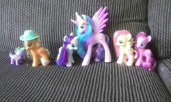 weakening a few of my collection. ponies and dolls have actually just been shown. I have the following for sale. taking offers! all offers considered. my little pony relationship is magic. funko dj po