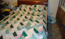 Quilt flying geese pattern. Hand & machine stitched. Asking $100. Call anytime 270-763-2203. Location: Elizabethtown ky