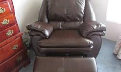 Big Mans Chair.....Like New! Will go fast! Hurry... Email or Phone Herb