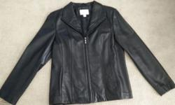 Women's Worthington Lambskin Leather Jacket in size Medium. Only been worn 2 times-in great condition!