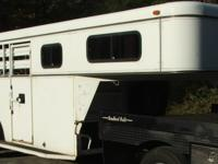 This trailer is in great shape with LIKE NEW tires and
