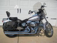 2002 FXDWG, 32,000 miles, Memphis Shades screen, Vance