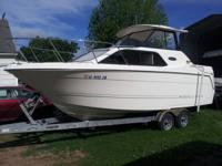 2003 24' Bayliner less than 100 hours. air condition
