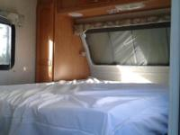 03 Rockwood Ultra-lite Camper. Sleeps 6 with memory