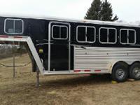 04 Featherlite gooseneck 3 horse slant horse trailer
