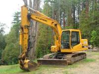34,000 lb Trackhoe Excavator Hyundai Robex 140 LCD-7