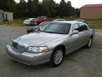 05 Lincoln Towne car signature series 118.000 miles