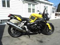 06 BMW K1200R - Rare model & color, 4cyl, water cooled,