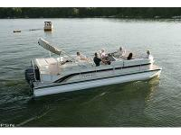 2006 Grand Majestic Premier Cruising Pontoon Boat. ONLY
