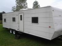 2006 Gulfstream Cavalier 32ft Bunkhouse Park-Model.