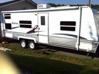 Very good condition sleeps 9 tinted windows shower and