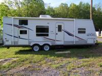 Nice 2007 Jayco Jay Flight model 27BH , 29FT. Bumper