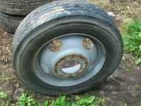 i have 1 - 225 / 70 / r 19.5 tire 3/4 trede bridgestone