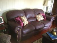 REDUCED!!! Beautiful Havertys leather Nailhead sofa,
