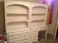 3 piece furniture set, pretty white Broyhill, I'm