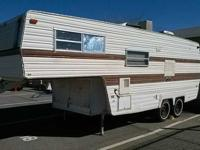 WILDERNESS fifth WHEEL 24 feet SLEEPS four COMFORTABLE,