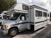 2004 Winnebago Itasca Spirit, 32G, Ford Powered, this
