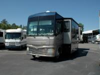 2007 Fleetwood Bounder, with 2 Slides outs, with Slide