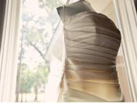 DRESS DETAILS Novia d?Art (The Art of the Bride) has