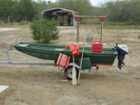 twelve feet ALUMINUM BOAT WITH OARS AND CURRENT