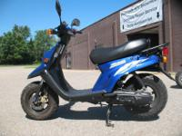 2001 Yamaha Zuma 50 in BlueThis popular Zuma is 50cc,