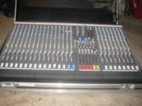 mixing console, desk, With heavy-duty custom touring