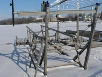 Shoremate Pontoon Lift, very good shape and working