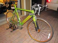 I AM SELLING THIS R1000 CANNONDALE 58CM BICYCLE LIGHTLY