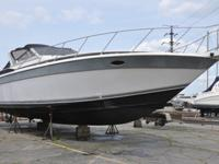 ,,,,1988Make: Chris CraftEngine Type: Twin Inboard