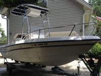",,.,,,17' 5"" Center Console Spirit 175T-Top with Rocket"
