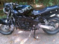Kawasaki Ninja ZX-11 custom naked 1100cc cafe racer.