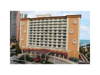 Beautiful large oceanfront studio in Sunny Isles! Tiled